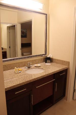 Residence Inn Burlington Colchester: Vanity