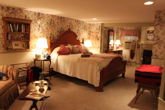 Rabbit Hill Inn: Molly's Promise