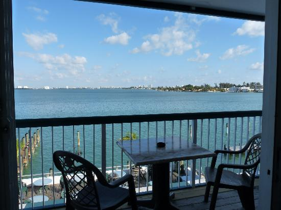 BEST WESTERN On The Bay Inn & Marina: Bayfront private balconies available