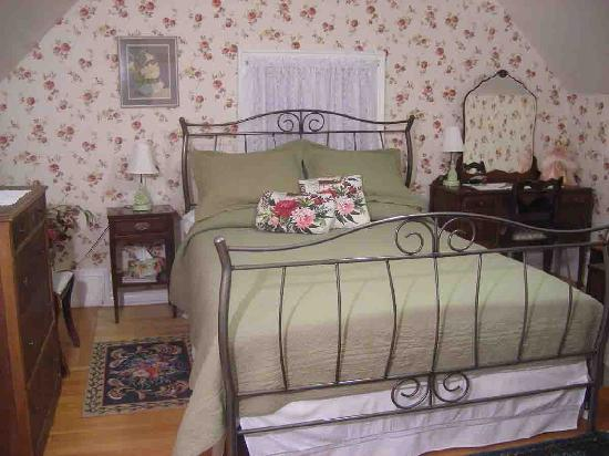 A Victorian Reflection B&B: Granny Suite