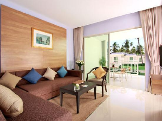 Kantary Beach Hotel Villas & Suites Khao Lak: Suite Living Room