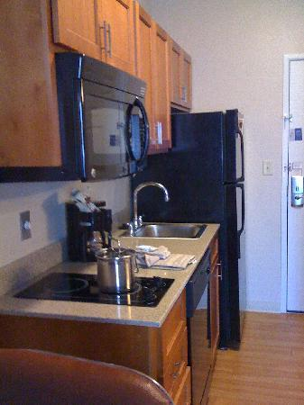 Candlewood Suites San Antonio N - Stone Oak Area: Room 209 Kitchenette Nov 2010