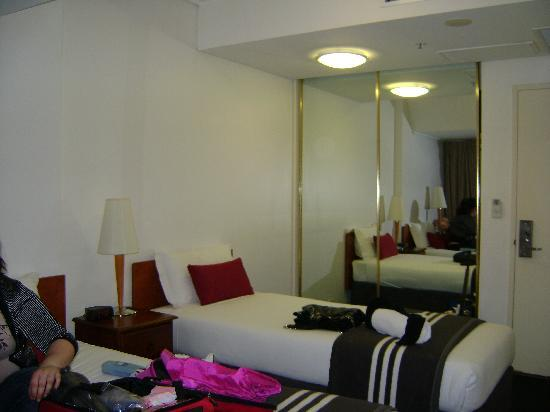 Song Hotel Sydney: Inside the room 2
