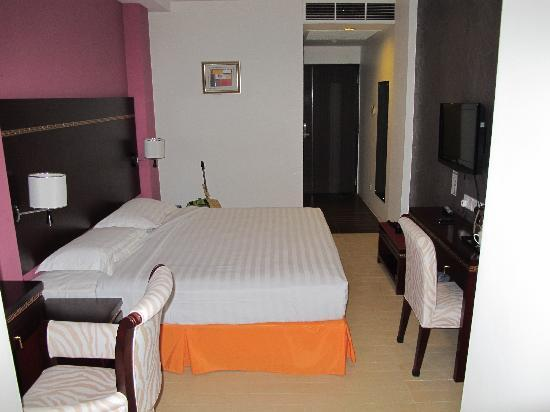 Santa Grand Hotel Bugis: Double room