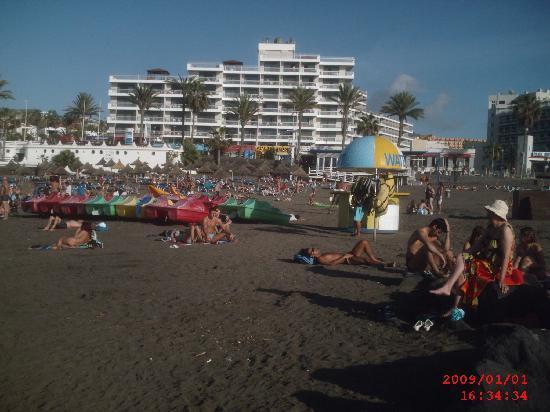 Palm Beach Tenerife: Strand nahe der Anlage