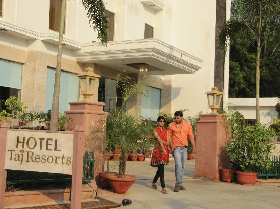 Hotel Taj Resorts: OUTLOOKS
