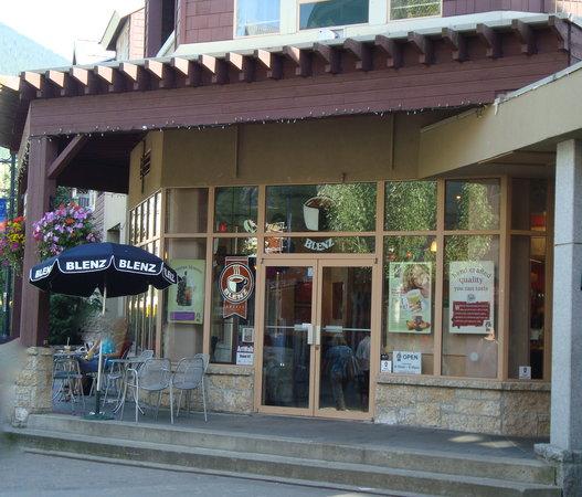 Blenz Coffee Whistler: Blenz Whistler along the Village Stroll