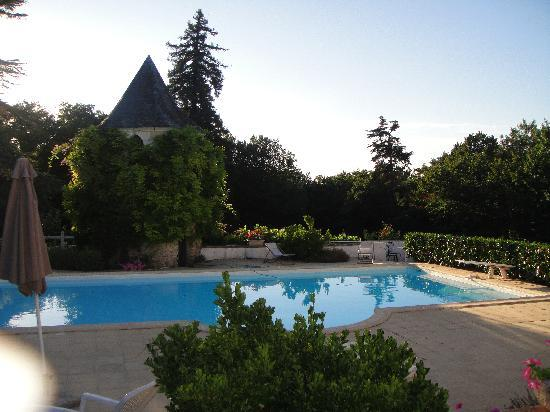 La Guillotiere : The pool in the early evening