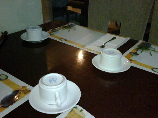Hotel Horison Sagita Balikpapan: breakfast cups without teaspoons