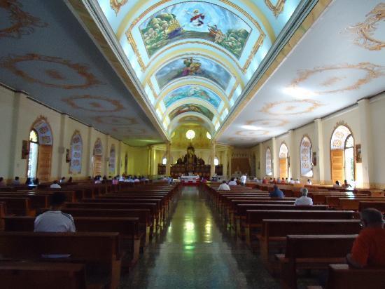 Hotel Santa Maria Inn : La Catedral es muy linda..