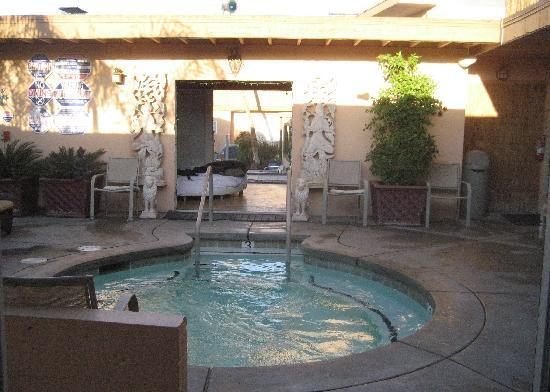 "Desert Hot Springs, CA: this is the ""huge"" hot tub with the tiny dance/screw room in the back"