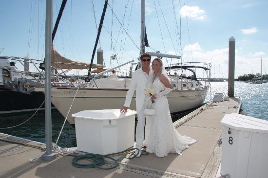 Captain Sir Charters - Private Day Tours: Traumhochzeit