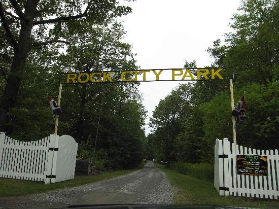 Olean, NY: Rock City Entrance