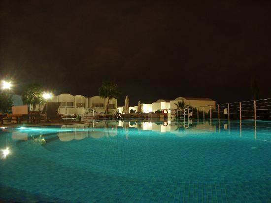 Theo Sunset Bay Holiday Village: Pool at night