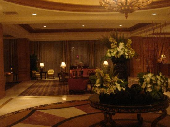 Four Seasons Hotel Las Vegas: lobby