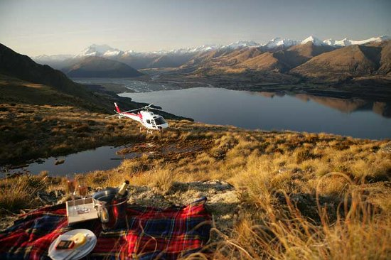 Glacier Southern Lakes Helicopters: Private Charters