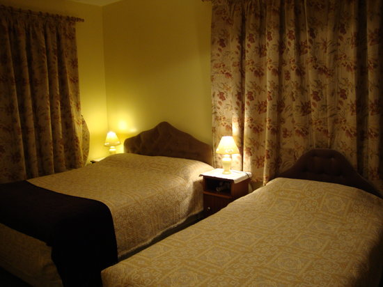 Newcastle West, Ireland: Bedroom.