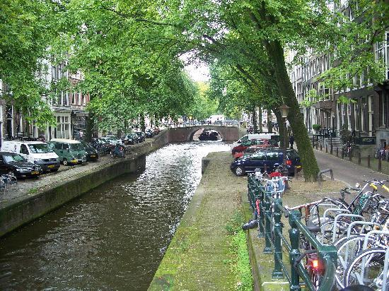The Jordaan: canal view