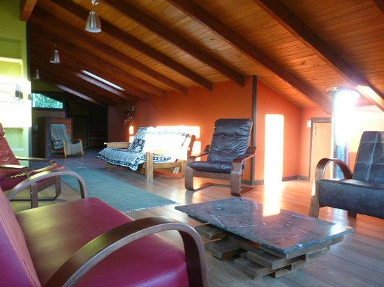 Maison Nomade Eco B&B: Vista general Salón de estar