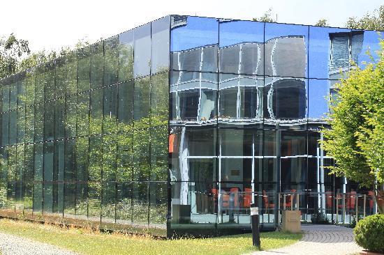 Atlantic Hotel Universum: Business center from outside
