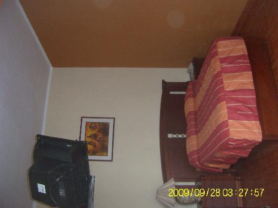 Techis House Hostal: Habitacion matrimonial