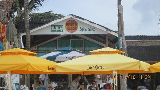 Boracay Beach Club: beachfront