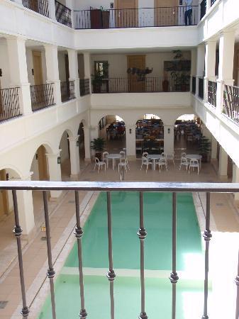 Boracay Sands Hotel: The pool