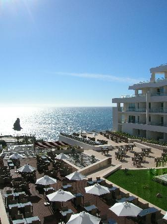 Melia Madeira Mare Resort & Spa: Ocean front location