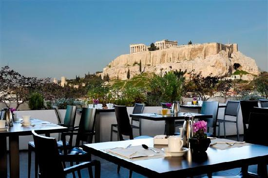 The Athens Gate Hotel: Breakfast with view to the Acropolis