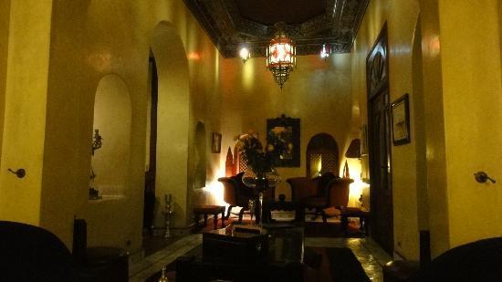 RIAD AYADINA : Salon-bar