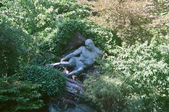 Jardin du Luxembourg: L'effort - Pierre Roche