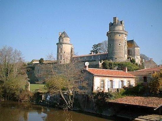 Chateau Apremont-a must visit medieval Chateau