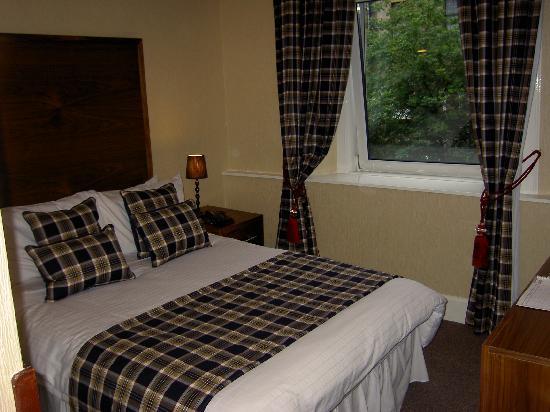 Argyll Hotel: Double Tartan room