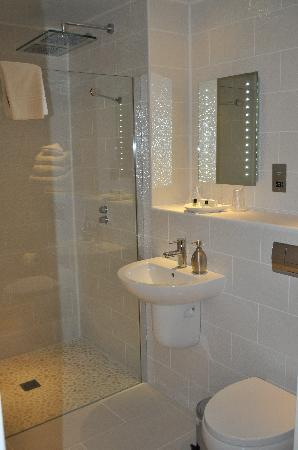 Argyll Hotel: Honeymoon Room (Bathroom)