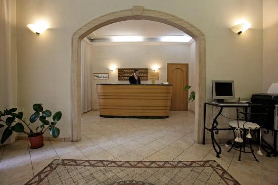 Hotel embassy 93 1 2 3 updated 2018 prices for Boutique hotel 4 stelle roma