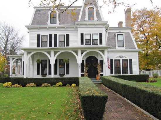 1840 Inn on the Main Bed and Breakfast: Great curb appeal