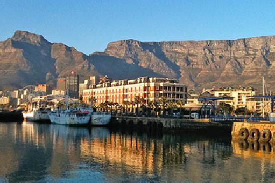 Cape Grace: on waterfront
