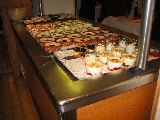 Hotel Club Le Cret: Buffet des desserts- un régal
