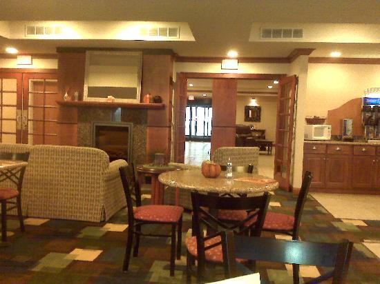 Holiday Inn Express Hotel & Suites East Lansing: Breakfast