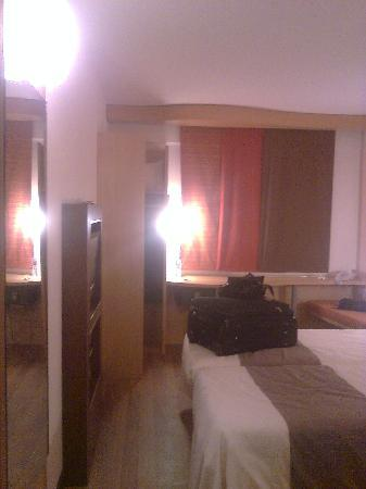 Ibis Alger Aeroport Hotel: chambre