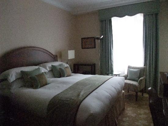 The Langham, London: Classic Bedroom