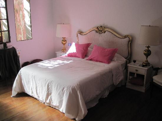 Tesorito Bed & Breakfast: Our room