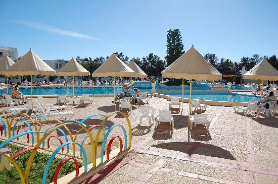 Ramada Liberty Resort Hotel: piscine