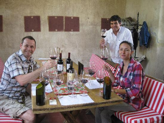 B&B Plaza Italia: Wine tasting at Mendel with Javier