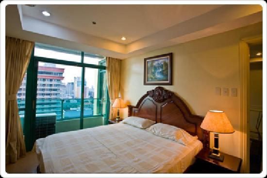Baywatch Tower Manila: view of the bedroom