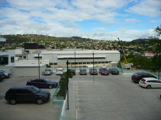 Mantra Charles Hotel: View towards Launceston