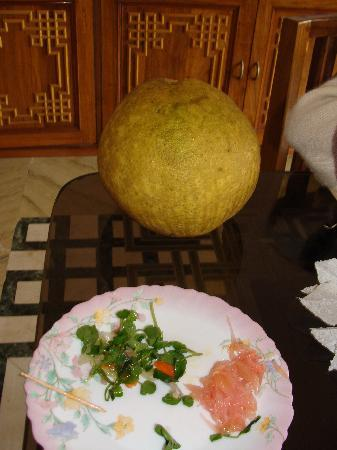Norbu Ghang House: Local grapefruit