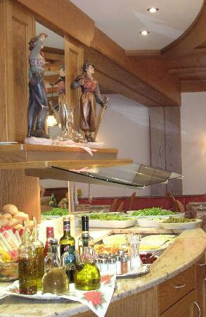 Tesero, Italia: Buffet