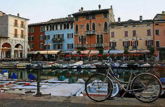 Desenzano del Garda, Italia: Dormant Desenzano