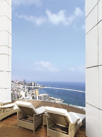 Four Seasons Hotel Beirut: Rooftop pool